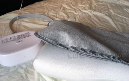 「いびき防止枕パット」のエアーバッグが膨らむ・中期