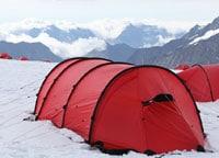 雪山キャンプ用高級テントの例